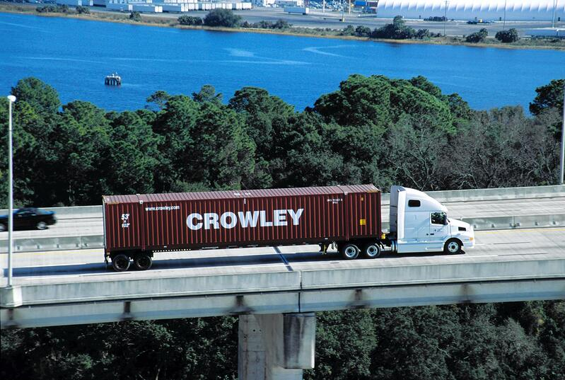 CM_LinerServices_53-foot102-inch-wideContainers_Truck032